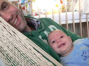 Z tatą na hamaku